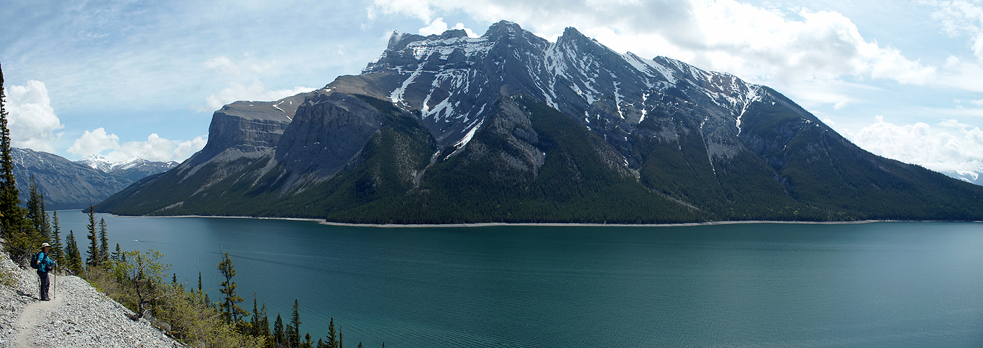 Photo panoramique du lac Minnewanka (Banff)