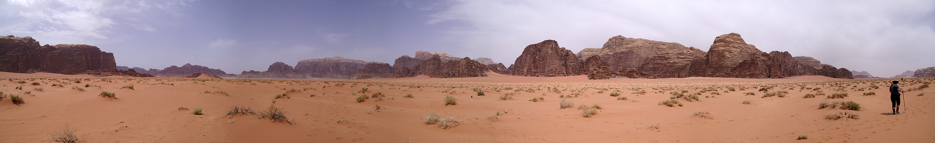 Photo panoramique du Wadi Rum (Khor El Ajram)