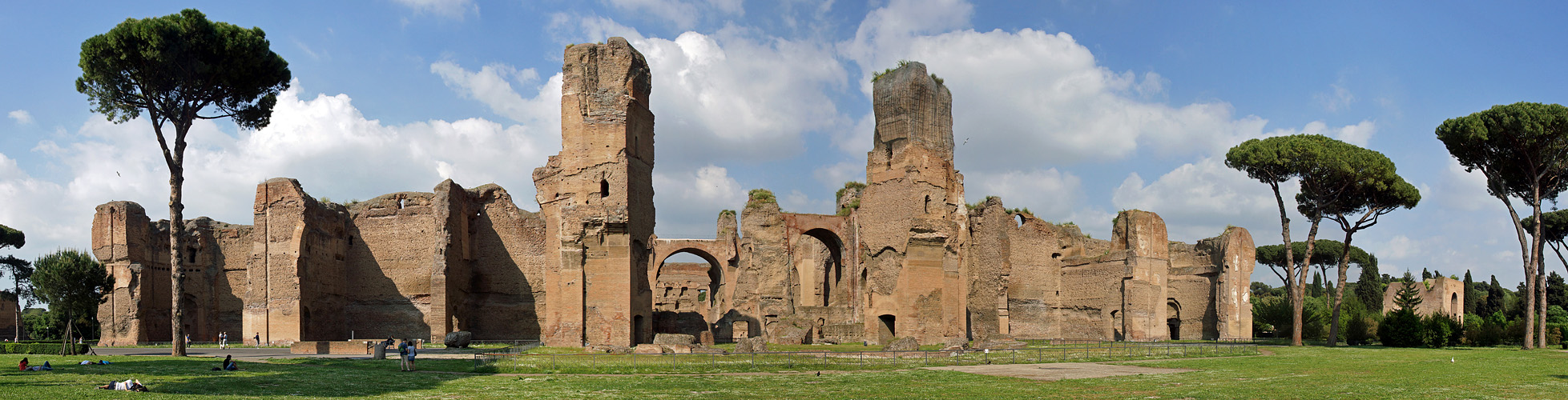 Photo panoramique des thermes de Caracalla