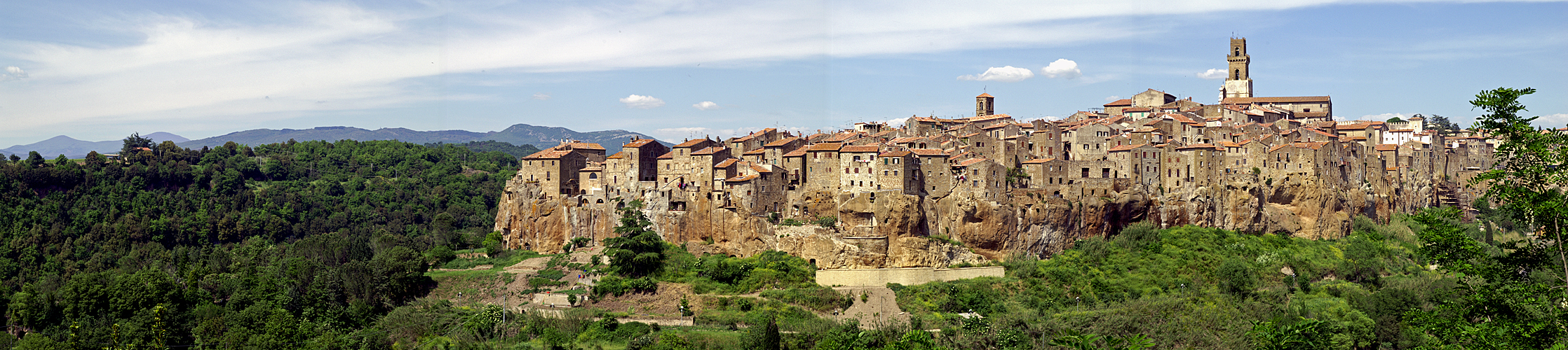 Photo panoramique de Pitigliano